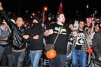 ***FOTO DE ARQUIVO***29.04.2014 - S&Atilde;O PAULO,SP,25.07.2014 - PRIS&Atilde;O DE MANIFESTANTE - O manifestante e professor Jefte Rodrigues durante a manifesta&ccedil;&atilde;o:N&atilde;o vai ter Copa.Rua Tuiuti-Shoping Metr&ocirc; Tatuap&eacute;,regi&atilde;o Leste de S&atilde;o Paulo.<br /> (Foto:Kevin David/Brazil Photo Press)