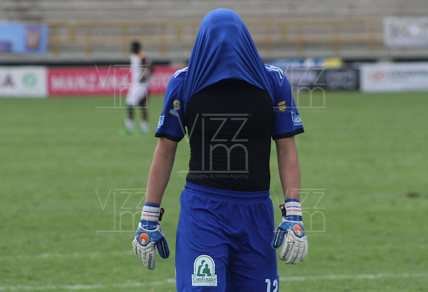 TUNJA -COLOMBIA-1-MAYO-2016.Joel Silva guardameta  del Tolima abandona el campo de juego luego de perder con Patriotas FC durante partido por la fecha 16 de Liga Águila I 2016 jugado en el estadio La Independencia./ Tolima goalkeeper Joel Silva left the field after losing to Patriots FC   during the match for the date 16 of the Aguila League I 2016 played at La Independencia stadium in Tunja. Photo: VizzorImage / César Melgarejo  / Contribuidor