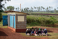 KENYA Thika near Nairobi, Primary schhol, Simbi Roses a fair trade rose flower farm has donated school furniture, toilets, water supply and class room renovations from fair trade premium / KENIA Thika bei Nairobi, Grundschule, Simbi Roses eine fairtrade zertifizierte Blumenfarm hat mir fairtrade Praemien neues Schulmobilar, Toiletten, Wasserversorgung und Renovierung von Klassenraeumen unterstuetzt