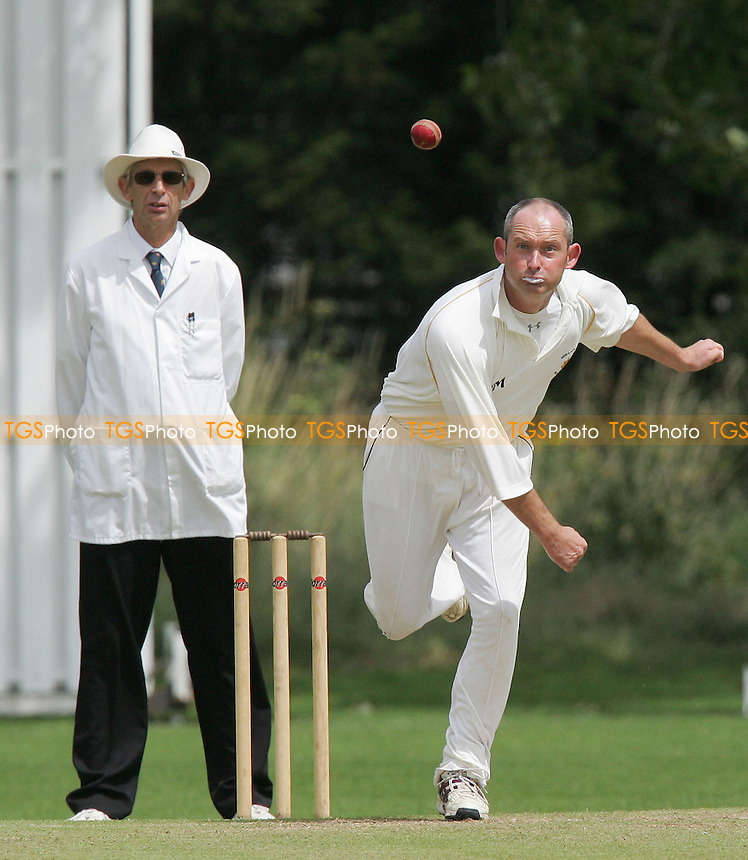 Russ Collard of GPR in bowling action - Gidea Park & Romford CC vs Colchester & East Essex CC - Essex County Cricket League - 14/07/07 - MANDATORY CREDIT: Gavin Ellis/TGSPHOTO - SELF-BILLING APPLIES WHERE APPROPRIATE. NO UNPAID USE -  Tel: 0845 0946026