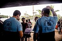 Rio de Janeiro, RJ 23/05/2013  A SMH(Secretaria municipal de Habitaçao), agentes da prefeitura e polícia estiveram  na comunidade  favela Bandeira 2 em Del Castilho,segundo moradores para derrubar as casas que nãos foram afetadas pelo incêndio.Os moradores que sofreram com incendio no dia 15/05/2013 já fizeram o cadastro para o aluguel social, porém, nao receberam mais nenhuma notificação sobre, sendo assim, todos continuam nas ruas, em casas de amigos e  igrejas...Foto: Ingrid Cristina/ Brazil Photo Press.