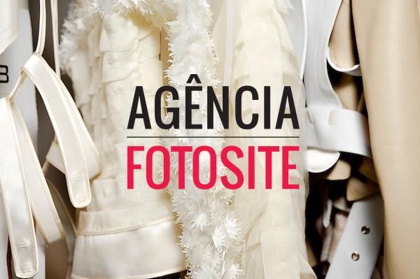 São Paulo, Brasil – 14/06/2010 - Backstage da grife Gloria Coelho durante o São Paulo Fashion Week  -  Verao 2011. Foto : Gustavo Scatena / Ag. Fotosite