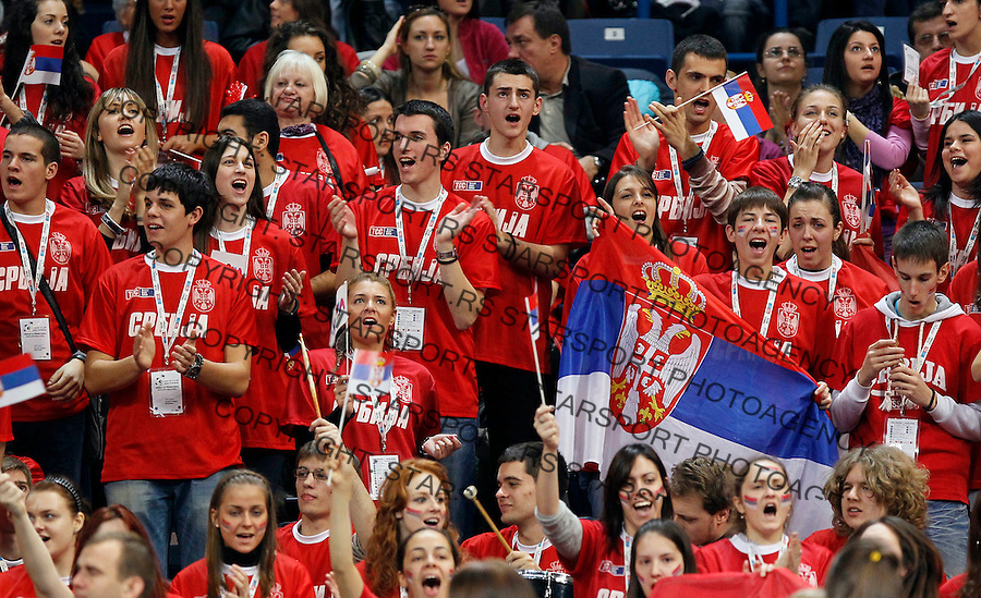 Serbian fans, during first match of the Davis Cup finals Serbia vs France Janko Tipsarevic against Gael Monfils in Belgrade Arena in Belgrade, Serbia, Friday, 3. December 2010.(foto: Srdjan Stevanovic/Starsportphoto ©)