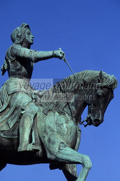 Europe/France/Centre/45/Loiret/Orléans : Place du Martroi , Statue de Jeanne d'Arc par Foyatier (1855)