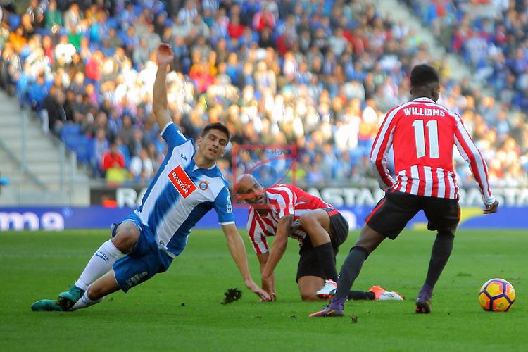 League Santander 2016/2017. Game: 11.<br /> RCD Espanyol vs Athletic Club: 0-0.<br /> Gerard Moreno, Mikel Rico &amp; I&ntilde;aki Williams.