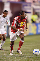 New York Red Bulls defender (2) Marvell Wynne. The Revolution defeated the Red Bulls 2-0 in an MLS regular season match at Giants Stadium, East Rutherford, NJ, September 20, 2006.