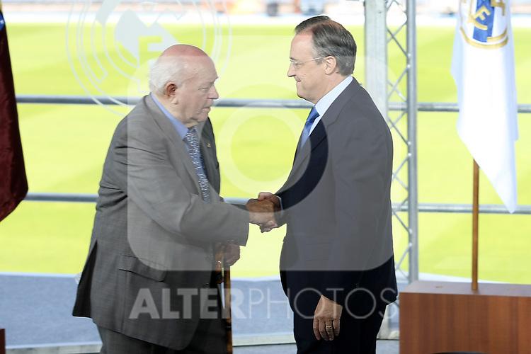 Real Madrid's new President Florentino Perez and the Honor President Alfredo Di Stefano.June 1 2009. (ALTERPHOTOS/Acero).