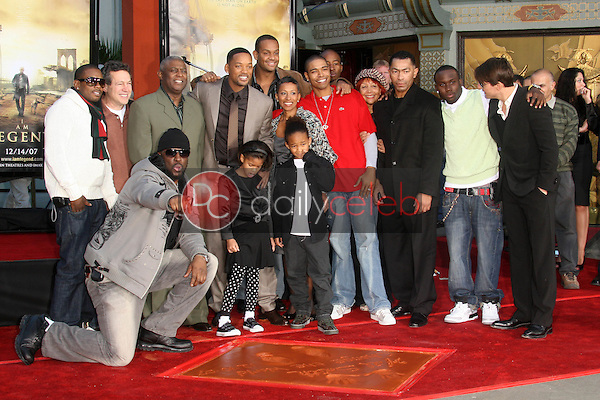 Will Smith and family with Tom Cruise<br />
