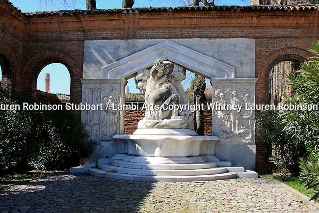 Venice Italy 2009 Sculpture, Statuary and Artifacts Photography Italy, Rome, Venice, Pompeii, Murano, , ornate, old world, hardware, works of art, texture, design, European, Oriental, Roman, Greek, Gods, Women, Men, Children, busts, sculptures, statues, modern, renaissance, contemporary, rural, Piazza San Marco, Mark's Basilica,  The Colosseum, ruins, Arch of Constantine, Andrea Gritto, balconies, Vatican Museum, Temple of Venus and Roma, etc