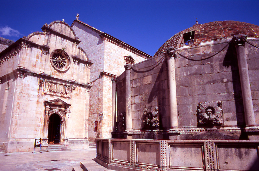 Croatia. Dubrovnik Old City. Big Onofrio's Fountain and Church of St Saviour, Placa, Stradun