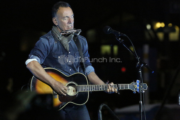 PHILADELPHIA, PA - NOVEMBER 7: Bruce Springsteen at the GOTV Rally in support of Hillary Clinton for President at Independence Mall in Philadelphia, Pennsylvania on November 7, 2016. Credit: Star Shooter/MediaPunch
