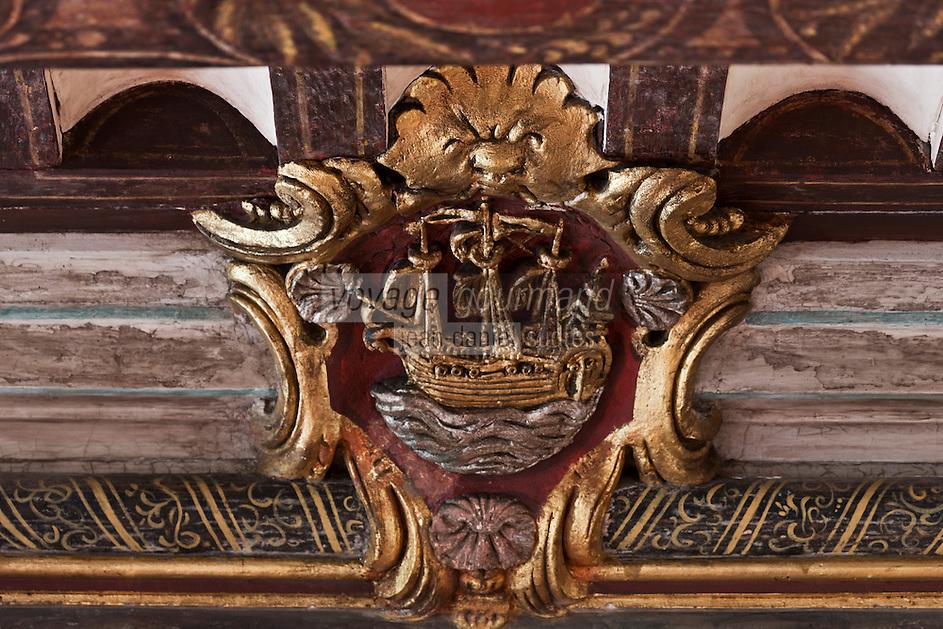 Europe/France/Aquitaine/64/Pyrénées-Atlantiques/Pays-Basque/Saint-Jean-de-Luz: La maison dite de l'Infante, ou maison Haraneder, demeure d'Anne d'Autriche, où l'Infante Marie-Thérèse logea. Le nom initial de la maison est Joanoenia, c'est-à-dire la maison de Jeannot de Haraneder _ Détail  du blason de la cheminée