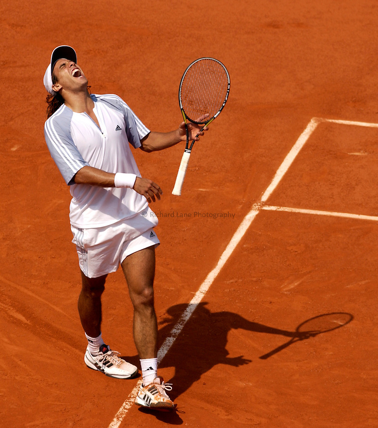 Photo. Jed Wee..French Open Tennis Championships, Roland Garros, Paris, France. 30/05/2003..Mariano Zabaleta.