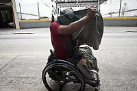 SAO PAULO, 24 DE JULHO DE 2012 - CRACOLANDIA SP- na foto usuarios de Crack na rua vitoria, usando drogas na rua<br /> mesmo com a continuidade do Plano do governo estadual, Operação Cracolândia, iniciada em 3 de janeiro deste ano para combater o consumo e a venda de crack nas ruas do centro de São Paulo <br /> Local:, rua vitoria, bairro campos eliseos, centro de Sao Paulo<br /> FOTO VAGNER CAMPOS BRAZIL PHOTO PRESS