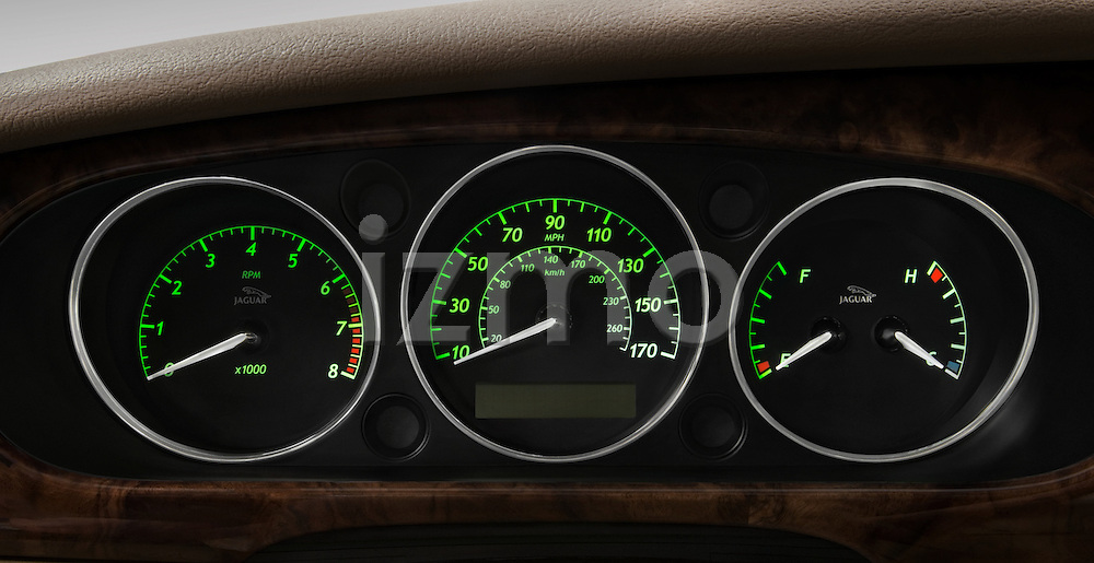 Instrument panel detail of a 2008 Jaguar XJ Sedan