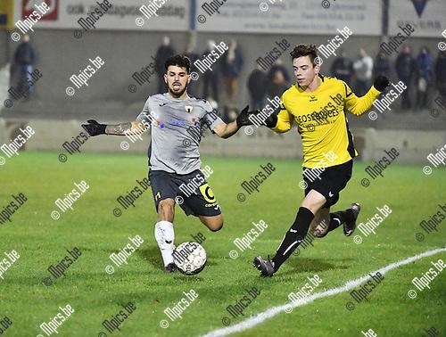 2016-11-26 / Voetbal / Seizoen 2016-2017 / Zwarte Leeuw - Berchem Sport / Ruben Meynendonckx (r. Zwarte Leeuw) met Leandro Zorbo<br /> <br /> ,Foto: Mpics.be