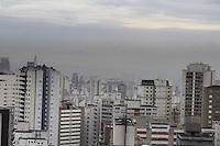 SÃO PAULO, SP, 14 JANEIRO DE 2013  - CLIMA TEMPO SP  - Capital amanhece com muitas nuvens,  temperatura com maxima de 27 e minima de 18, e  probabilidade de chuvas no final da tarde, na manha dessa segunda-feira, 14, regiao central da capital -   FOTO LOLA OLIVEIRA - BRAZIL PHOTO PRESS