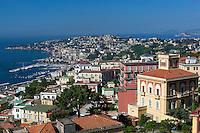 Italy, Campania, Naples: View of Naples bay from Castel Sant' Elmo   Italien, Kampanien, Neapel: Blick vom Castel Sant' Elmo ueber die Stadt auf den Golf von Neapel