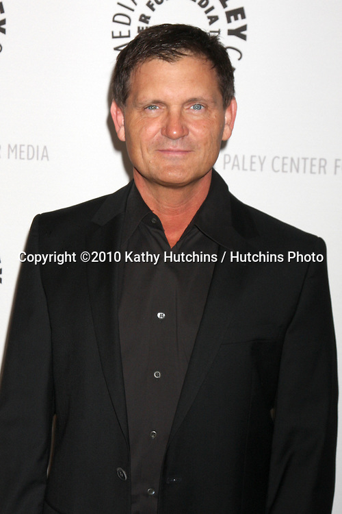 Kevin Williamson.arriving at the Vampire Diaries PaleyFest Event.Saban Theater.Los Angeles, CA.March 6, 2010.©2010 Kathy Hutchins / Hutchins Photo....