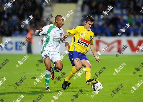 2013-09-20 / Voetbal / seizoen 2013-2014 / KVC Westerlo - Boussu Dour /  Lauriente met Jeroen Vanthournout (r. Westerlo)<br /><br />Foto: Mpics.be
