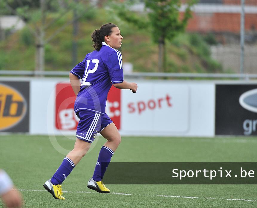 AA Gent Ladies U16 - RSC Anderlecht : Loubna Bouljalala.foto DAVID CATRY / Nikonpro.be
