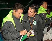 TUNJA -COLOMBIA, 19-04-2014. Fabio Calle (Izq) preparador de arqueros del Atletico Nacional durante partido con Patriotas FC válido por la fecha 18 de la Liga Postobón I 2014 realizado en el estadio La Independencia en Tunja./ Fabio Calle goalkeepers trainer of Atletico Nacional during match with Patriotas FC for the 18th date of Postobon  League I 2014 at La Libertad stadium in Tunja. Photo: VizzorImage/Jose Miguel Palencia/STR