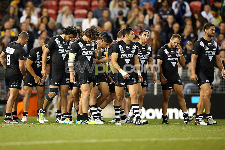 Dejected kiwis<br /> Trans Tasman NZRL Kiwis v Australia Test Match at Hunter Stadium, Newcastle, Australia. Friday 6 May 2016. Photo: Paul Seiser / www.photosport.nz / SWpix.com