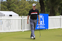 Richard McEvoy (ENG) on the putting green during the Preview of the ISPS Handa World Super 6 Perth at Lake Karrinyup Country Club on the Wednesday 7th February 2018.<br /> Picture:  Thos Caffrey / www.golffile.ie<br /> <br /> All photo usage must carry mandatory copyright credit (&copy; Golffile | Thos Caffrey)