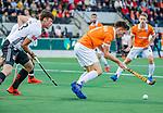 AMSTELVEEN -  Thierry Brinkman (Bldaal) met am23 tijdens de play-offs hoofdklasse  heren , Amsterdam-Bloemendaal (0-2).    COPYRIGHT KOEN SUYK