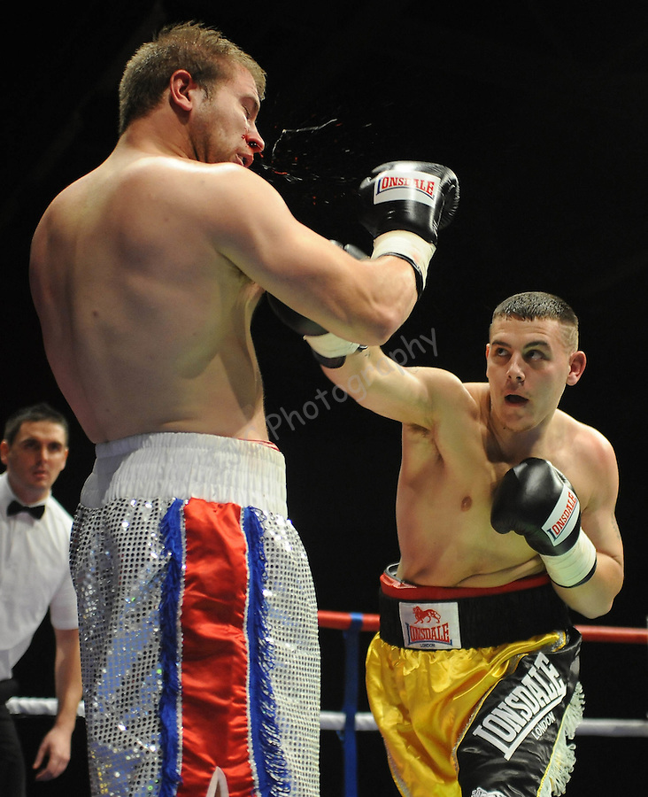 Lee Lewis (Black & Gold shorts) V Mark Lewis (White & Red shorts), Joe Calzaghe Promotions Boxing Evening .Date: Friday 20/11/2009,  .© Ian Cook IJC Photography, 07599826381, iancook@ijcphotography.co.uk,  www.ijcphotography.co.uk, .