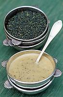 """Europe/France/Auvergne/63/Puy-de-Dôme/Pontgibaud: Crême de lentilles vertes du Puy  - Recette de Jean-Yves Andant du restaurant """"La Poste"""""""