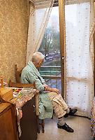 Anziani a casa. Elderly at home....