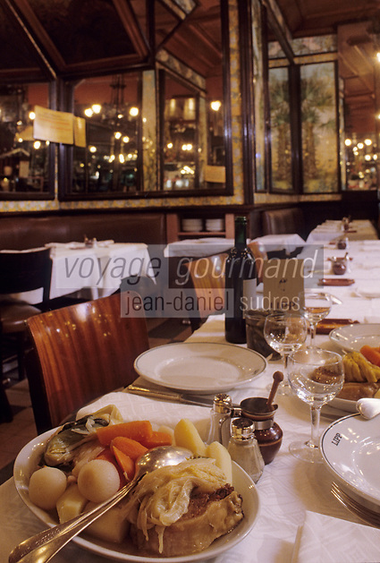 Europe/France/Ile-de-France/Paris&nbsp;: &quot;BELLE EPOQUE&quot; - Restaurant &quot;Lipp&quot; 111 boulevard Saint-Germain - Pot au feu [Non destin&eacute; &agrave; un usage publicitaire - Not intended for an advertising use]<br /> PHOTO D'ARCHIVES // ARCHIVAL IMAGES<br /> FRANCE 1990