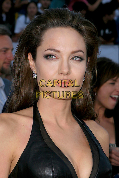 "ANGELINA JOLIE.At the ""Mr. & Mrs. Smith"" World Premiere held at Mann Village Theatre, Hollywood, CA, .USA, 7 June 2005..portrait headshot.Ref: ADM.www.capitalpictures.com.sales@capitalpictures.com.©Jacqui Wong/AdMedia/Capital Pictures."