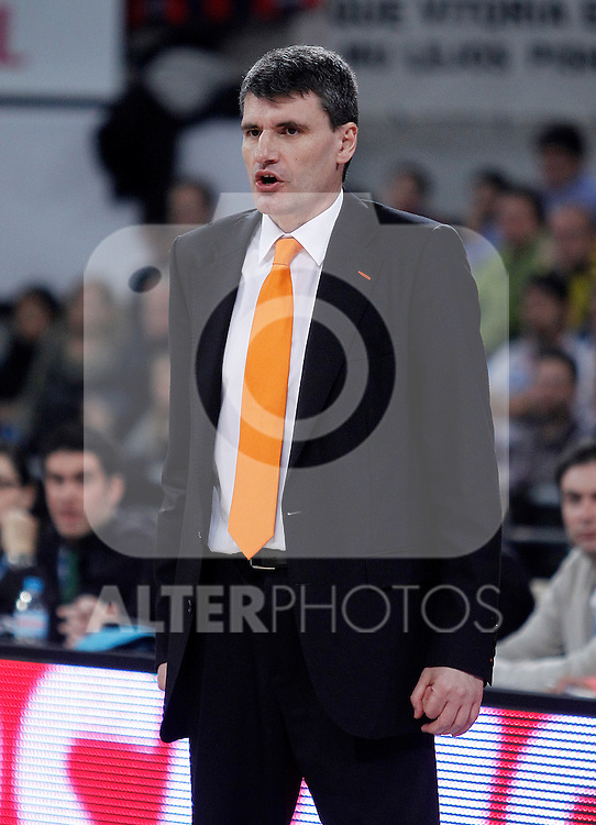 Valencia Basket Club's coach Velimir Perasovic during Spanish Basketball King's Cup semifinal match.February 07,2013. (ALTERPHOTOS/Acero)