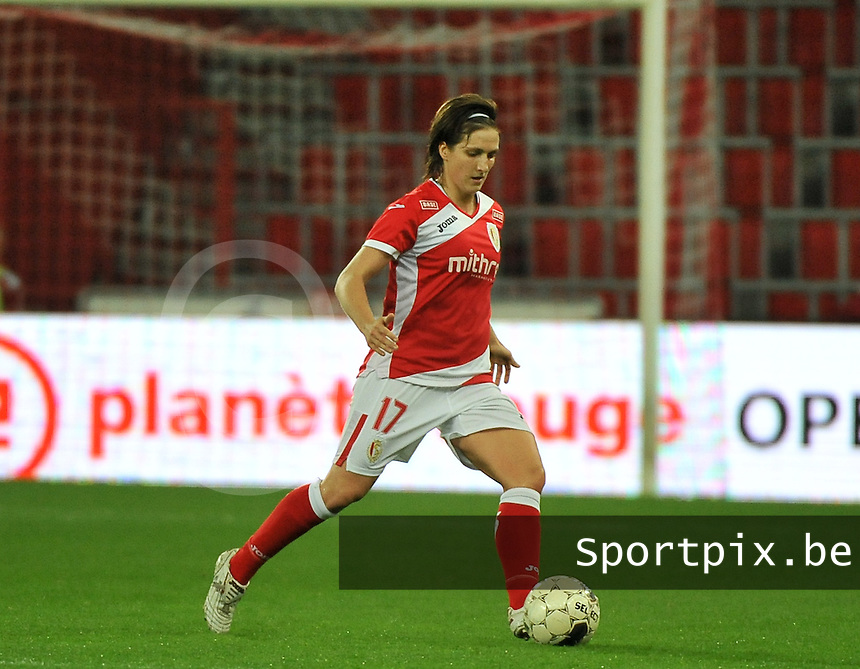 20131009 - LIEGE , BELGIUM : Standard's Maud Coutereels pictured during the female soccer match between STANDARD Femina de Liege and  GLASGOW City LFC , in the 1/16 final ( round of 32 ) first leg in the UEFA Women's Champions League 2013 in stade maurice dufrasne - Sclessin in Liege. Wednesday 9 October 2013. PHOTO DAVID CATRY