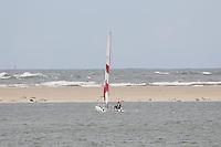 Katamaran im Meer vor Borkum