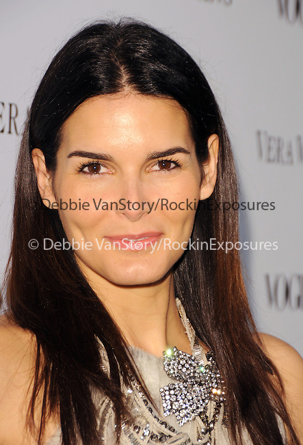 Angie Harmon Sehorn at the Vogue Dinner honoring Vera Wang Celebration of Vera Wang on Melrose Opening in West Hollywood, California on March 02,2010                                                                   Copyright 2009  DVS / RockinExposures
