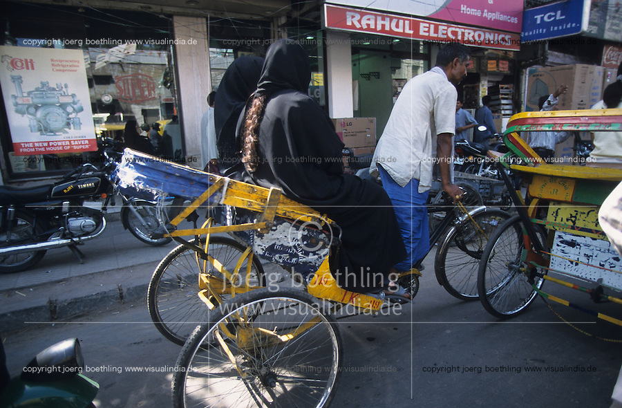 "Südasien Asien Indien IND Neu Delhi .Gassen mit Rikscha in Alt Delhi  - Religion Islam Allah Muslim Moslem Glauben Old Dehli Altstadt Altstadtviertel Rikshaw Fahrrad Frauen Frau Schleier schwarz verschleierte Burkah Tschador Basar Bazar Verkehr xagndaz | .South Asia India New Delhi .streets in Old Delhi - traffic transport religion islam muslim old town dehli rickshaw driver women woman veiled veil  .| [ copyright (c) Joerg Boethling / agenda , Veroeffentlichung nur gegen Honorar und Belegexemplar an / publication only with royalties and copy to:  agenda PG   Rothestr. 66   Germany D-22765 Hamburg   ph. ++49 40 391 907 14   e-mail: boethling@agenda-fototext.de   www.agenda-fototext.de   Bank: Hamburger Sparkasse  BLZ 200 505 50  Kto. 1281 120 178   IBAN: DE96 2005 0550 1281 1201 78   BIC: ""HASPDEHH"" ,  WEITERE MOTIVE ZU DIESEM THEMA SIND VORHANDEN!! MORE PICTURES ON THIS SUBJECT AVAILABLE!! INDIA PHOTO ARCHIVE: http://www.visualindia.net ] [#0,26,121#]"
