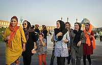 June 18, 2014 - Isfahan (Iran). Young Iranians walks in the Nasq-e Jahan Square of Isfahan. © Thomas Cristofoletti / Ruom