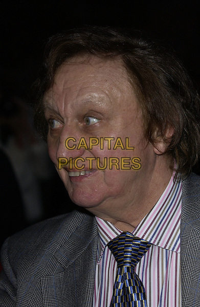 KEN DODD.Arrivals At The Avenue To The Stars 50 Years Of ITV event held at LWT studios,.London, 18th September 2005.portrait headshot.Ref: FIN.www.capitalpictures.com.sales@capitalpictures.com.© Capital Pictures.