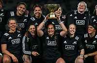 The Black Ferns celebrate with captain Fiao'o Faamausili holding the Laurie O'Reilly Memorial Trophy. International women's rugby match between the New Zealand Black Ferns and Australia Wallaroos at Eden Park in Auckland, New Zealand on Saturday 25 August 2018. Photo: Simon Watts / lintottphoto.co.nz