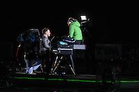 SCHAATSEN: AMSTERDAM: Olympisch Stadion, 01-03-2014, KPN NK Sprint/Allround, Coolste Baan van Nederland, Roel van Velzen zingt voor Ireen Wüst, ©foto Martin de Jong