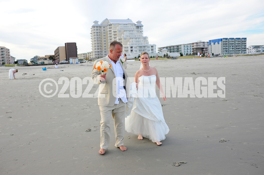 9/11/10 5:48:22 PM -- Christine & Warren --  Wildwood Crest, New Jersey -- Photo by William Thomas Cain/cainimages.com
