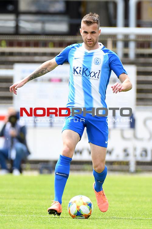28.06.2020, Hänsch-Arena, Meppen, GER, 3.FBL, SV Meppen vs. FC Ingolstadt 04 <br /> <br /> im Bild<br /> Marco Komenda (SV Meppen, 6) am Ball.<br /> <br /> DFL REGULATIONS PROHIBIT ANY USE OF PHOTOGRAPHS AS IMAGE SEQUENCES AND/OR QUASI-VIDEO<br /> <br /> Foto © nordphoto / Paetzel