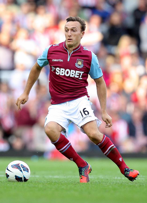 West Ham United's Mark Noble ..Football - Barclays Premiership - West Ham United v Sunderland - Saturday 22nd September 2012 - Boleyn Ground - London..