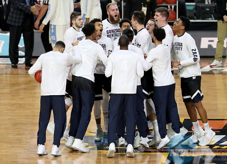 GLENDALE, AZ - APRIL 03: The Gonzaga Bulldogs huddle up prior to tip-off against the North Carolina Tar Heels  during the 2017 NCAA Men's Final Four National Championship game at University of Phoenix Stadium on April 3, 2017 in Glendale, Arizona.  (Photo by Matt Marriott/NCAA Photos via Getty Images)