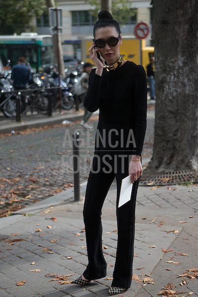 Paris, Franca &sbquo;01/10/2013 - Moda de Rua durante a Semana de moda de Paris  -  Verao 2014. <br /> Foto: Mastrangelo Reino/ FOTOSITE