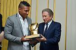 Michel Drucker remise des gants d'or de la boxe belge