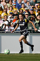 Liz Bogus (17) of the Los Angeles Sol. The Los Angeles Sol defeated Sky Blue FC 2-0 during a Women's Professional Soccer match at TD Bank Ballpark in Bridgewater, NJ, on April 5, 2009. Photo by Howard C. Smith/isiphotos.com